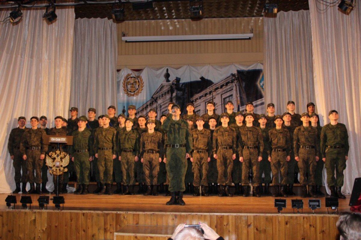 Вчера, 22 февраля, в актовом зале Сызранского филиала СамГТУ прошел праздничный концерт, посвященный Дню защитника Отечества. Вообще-то, это событие – традиционное для Сызранского Политеха. Почему?