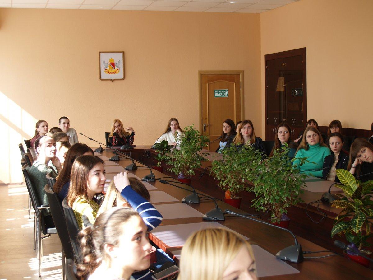 19 марта студенты ВИЭСУ встретились с представителем Воронежского регионального