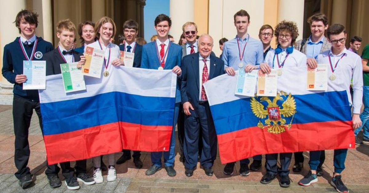 Российские школьники победили в международной олимпиаде по химии