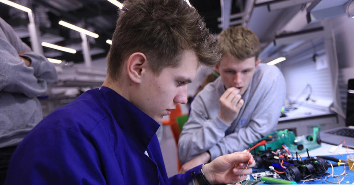 Студенты создают эффективный нейростимулятор