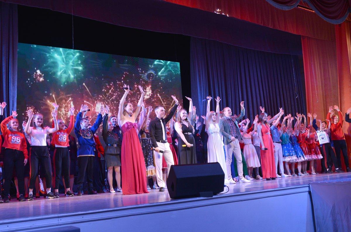 Яркие и трогательные фото с отчетного концерта Студенческого культурного центра! Ребята показали лучшие выступления, а педагоги с гордостью проводили выпускников этого года!