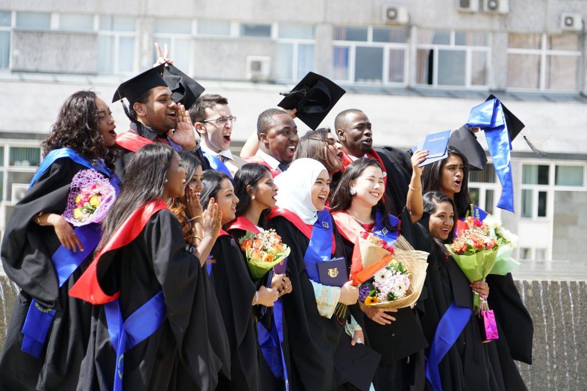 Долгожданный момент для всех студентов! 🎓🎓🎓