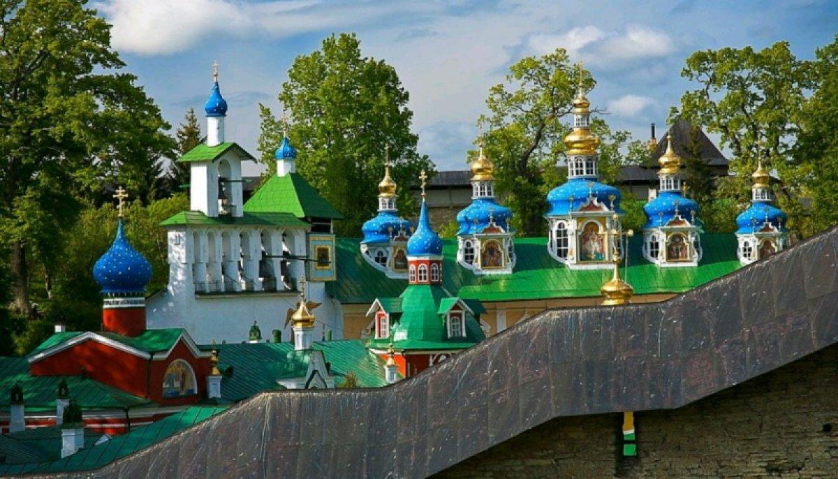 Прием заявок на участие в патриотической сессии «Волонтеры наследия – 2019» в городе Печоры Псковской области.