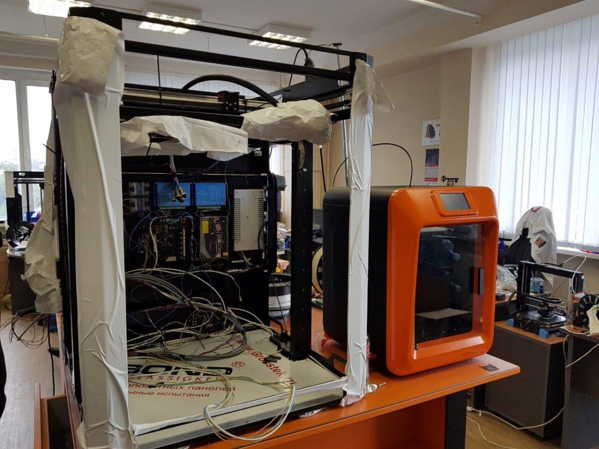 Делегация ВГУИТ посетила лаборатории Московского государственного университета пищевых производств.