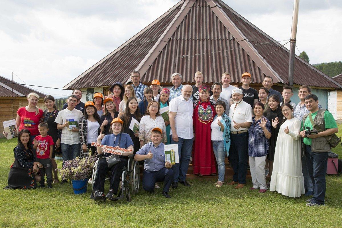 Молодые писатели СВФУ улучшили мастерство на Межрегиональном летнем литературном лагере в Хакасии