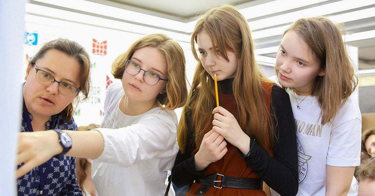 «Город образования»: ЗОЖ-блогеры и мастер-класс по сбору меча джежая