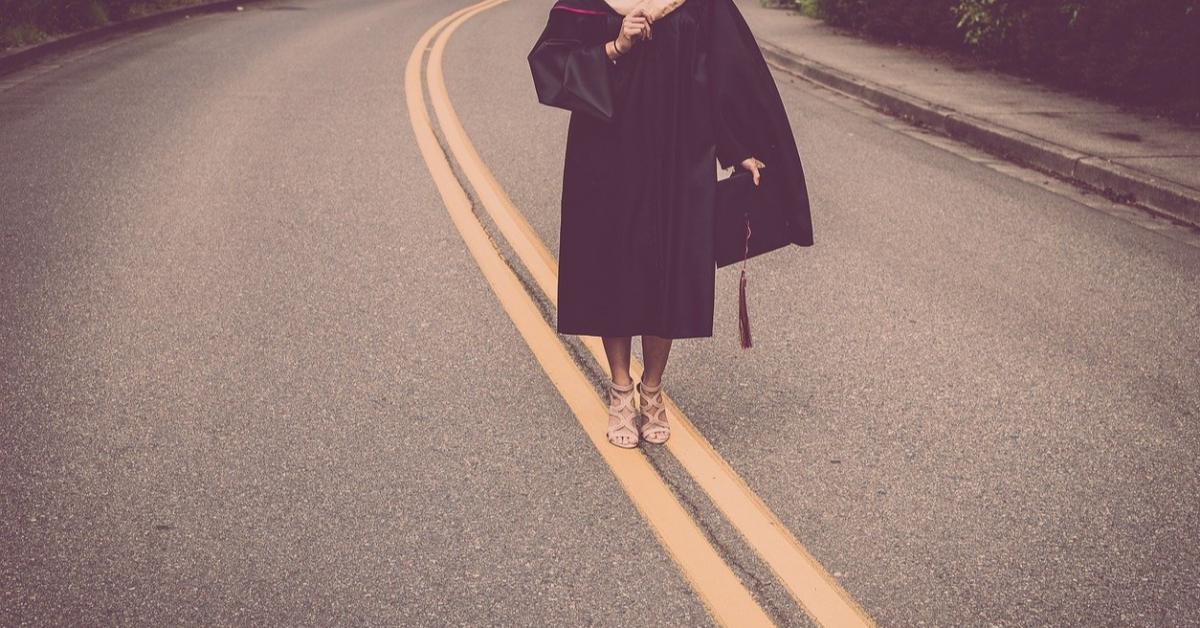 Минобрнауки будет внимательно следить за выпускниками вузов