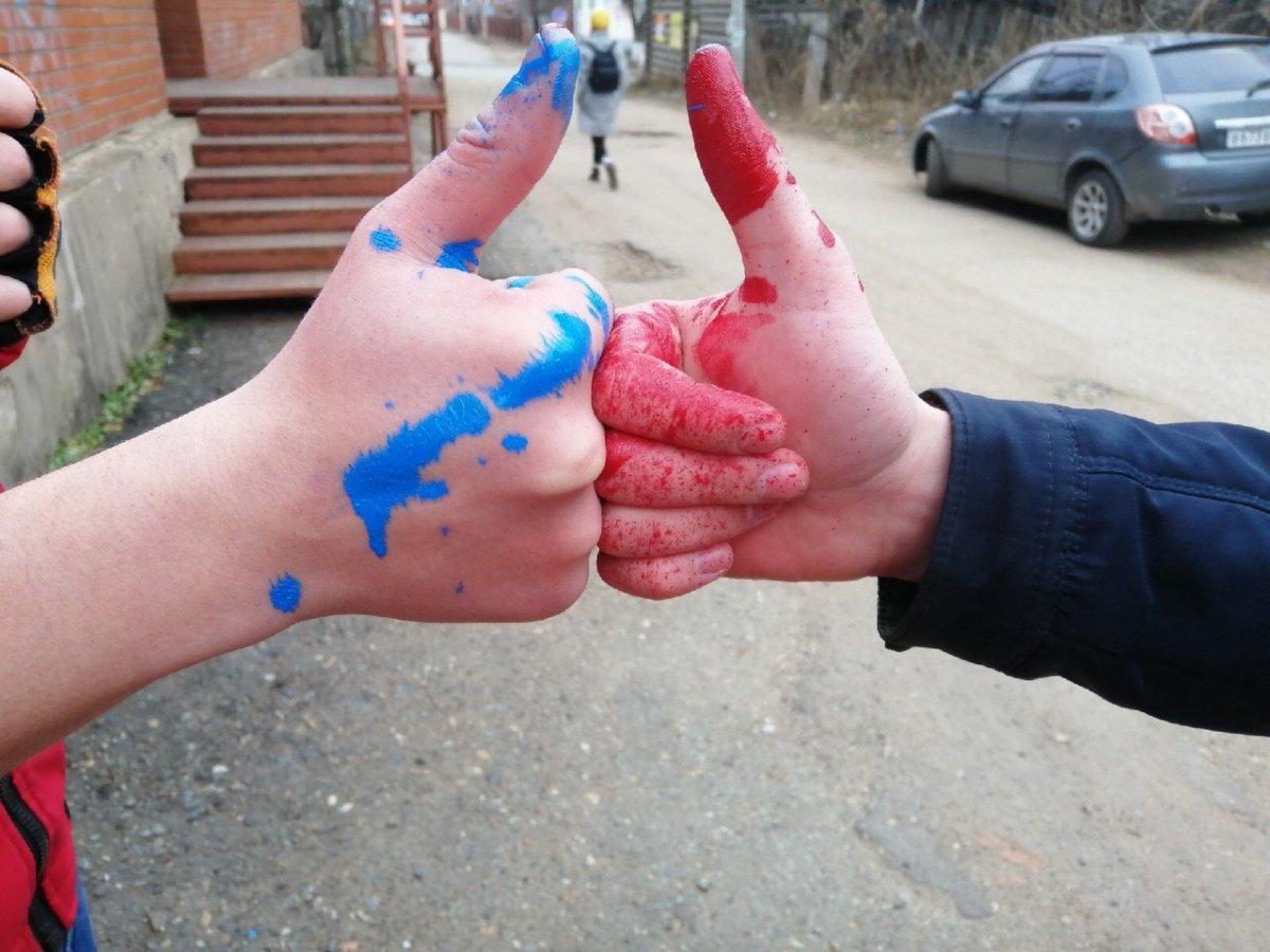 Сегодня, 9 ноября, Студенческий Совет Воткинского филиала ИжГТУ принял участие в городской акции «Чистая стена», который проходит в рамках «Марафона добрых дел».