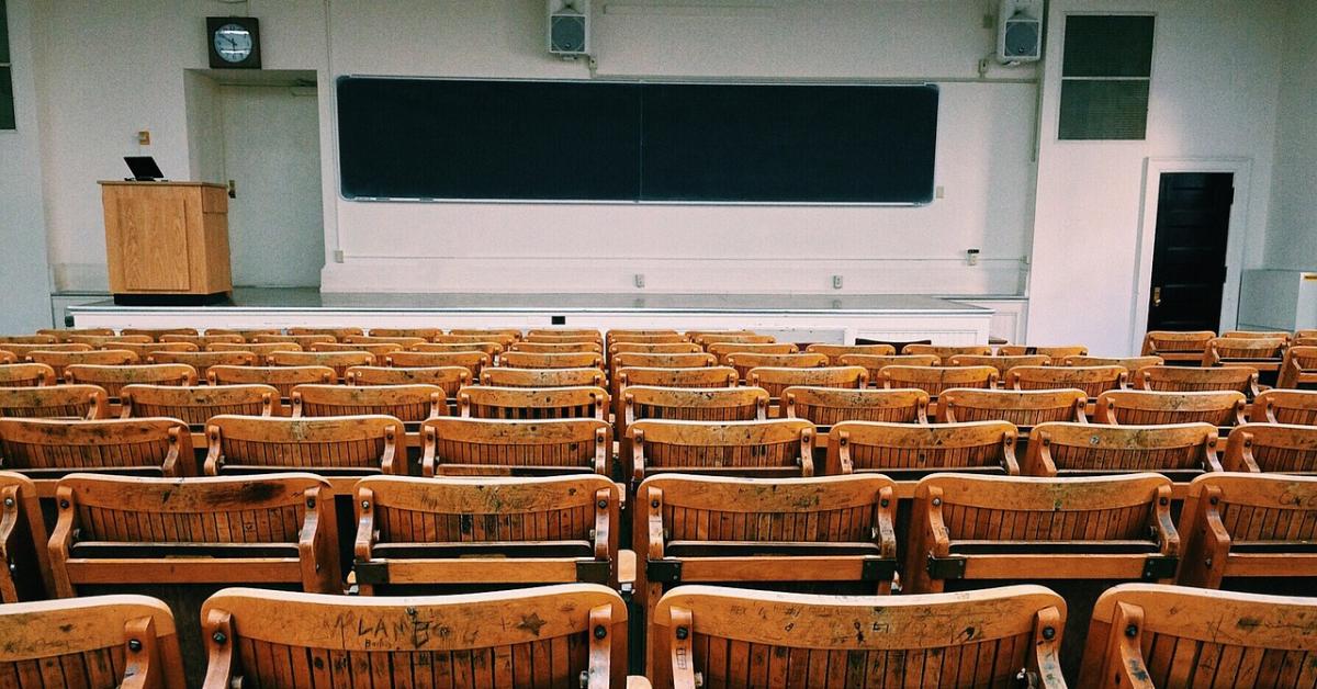 Фальков: учебный год в вузах, возможно, начнется онлайн