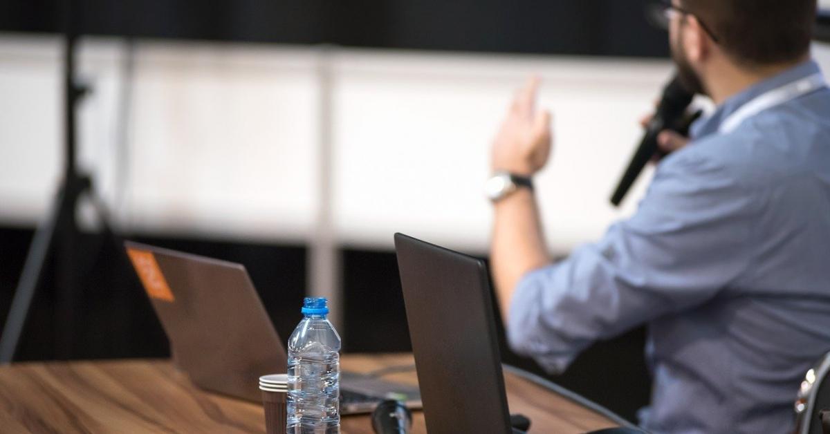 Учитель — это бренд: педагогов научат презентовать себя в соцсетях