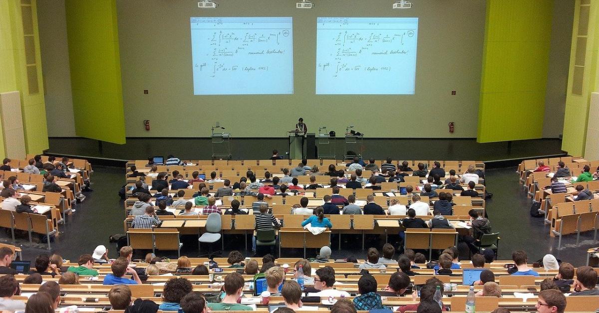 Студенты РФ вернутся в аудитории 8 февраля