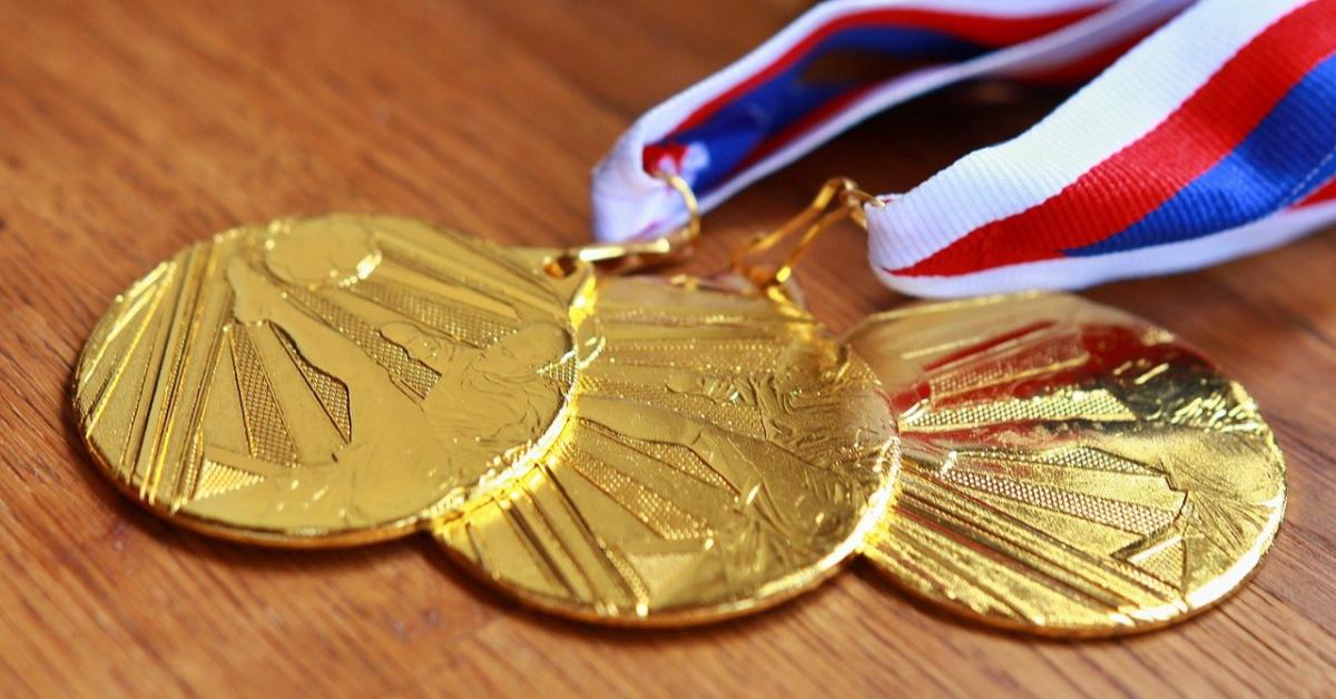 В 2020 году было слишком много «золотых» медалистов в школах