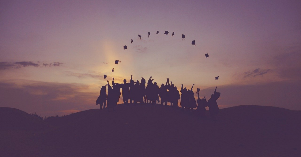 Популярность высшего образования среди родителей упала в два раза