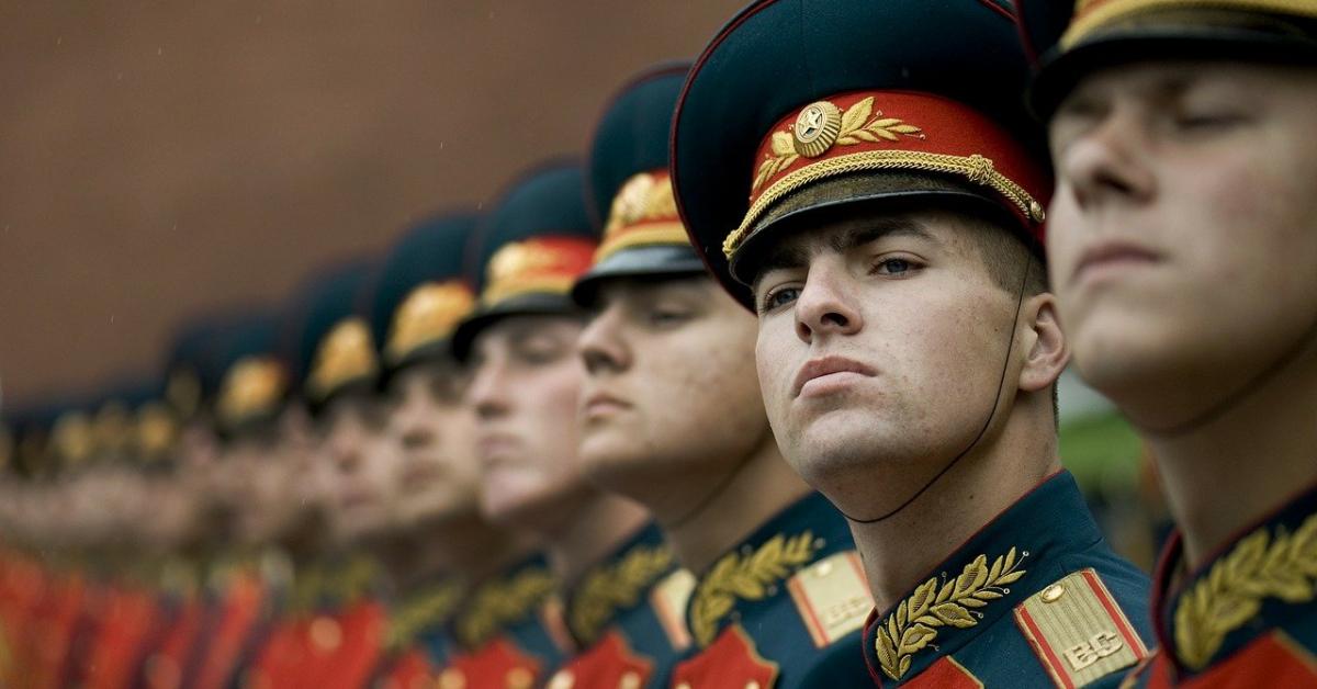 В военные вузы поступит более 13 000 человек